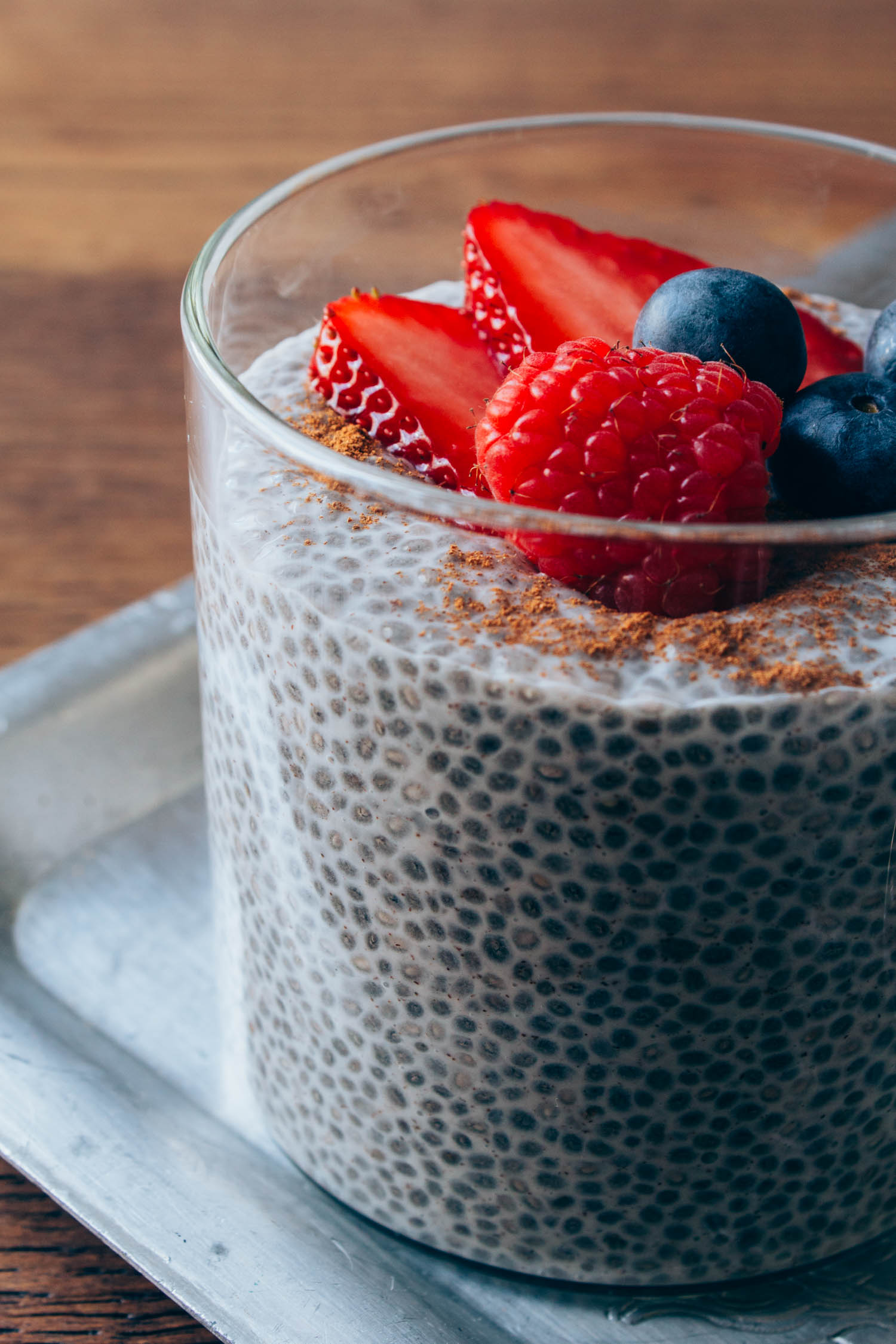 Berry Vanilla Chia Seed Pudding #vegetarian #snack #healthy