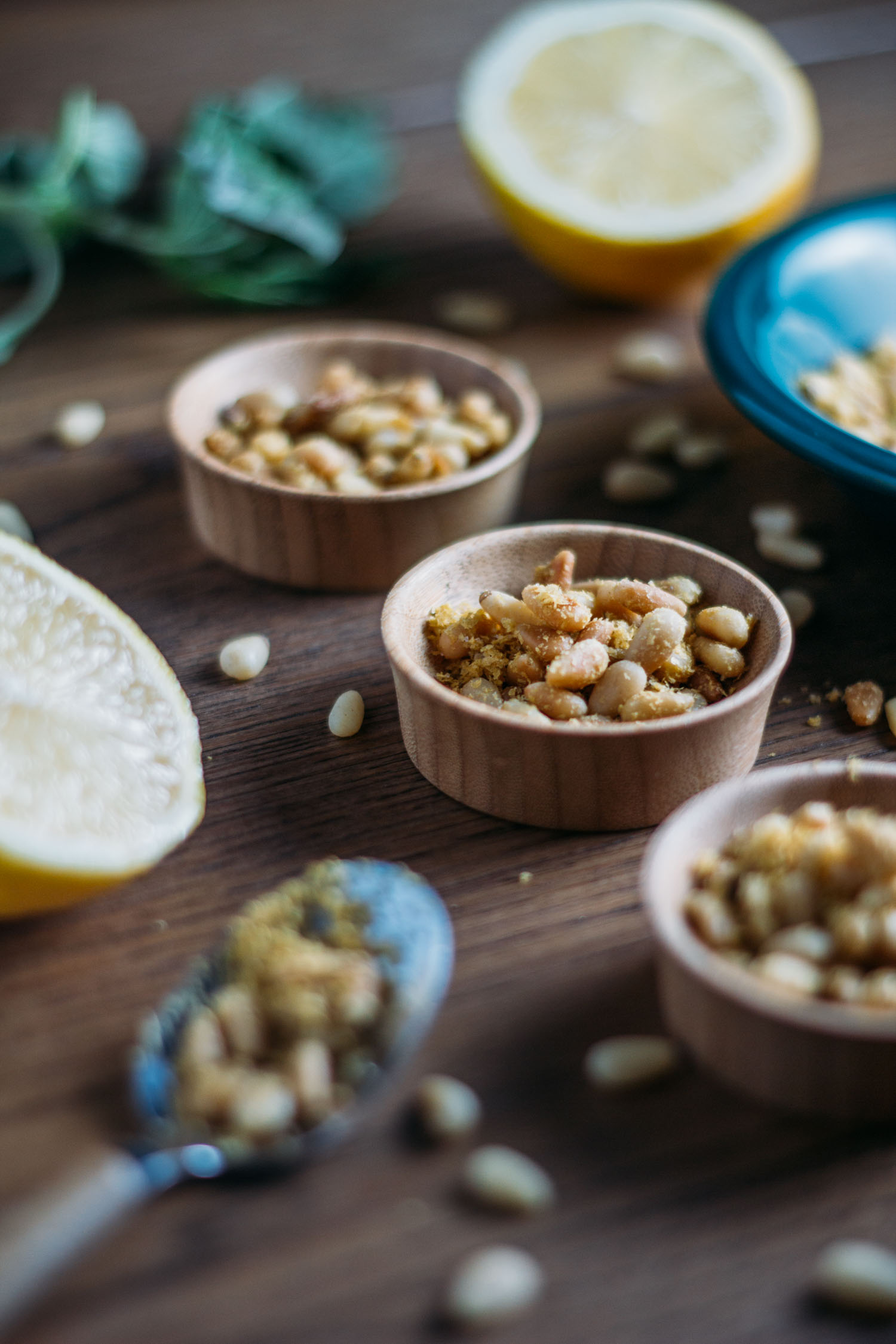 Plant-Based Pine Nut Parmesan #nutritionalyeast #gluten-free