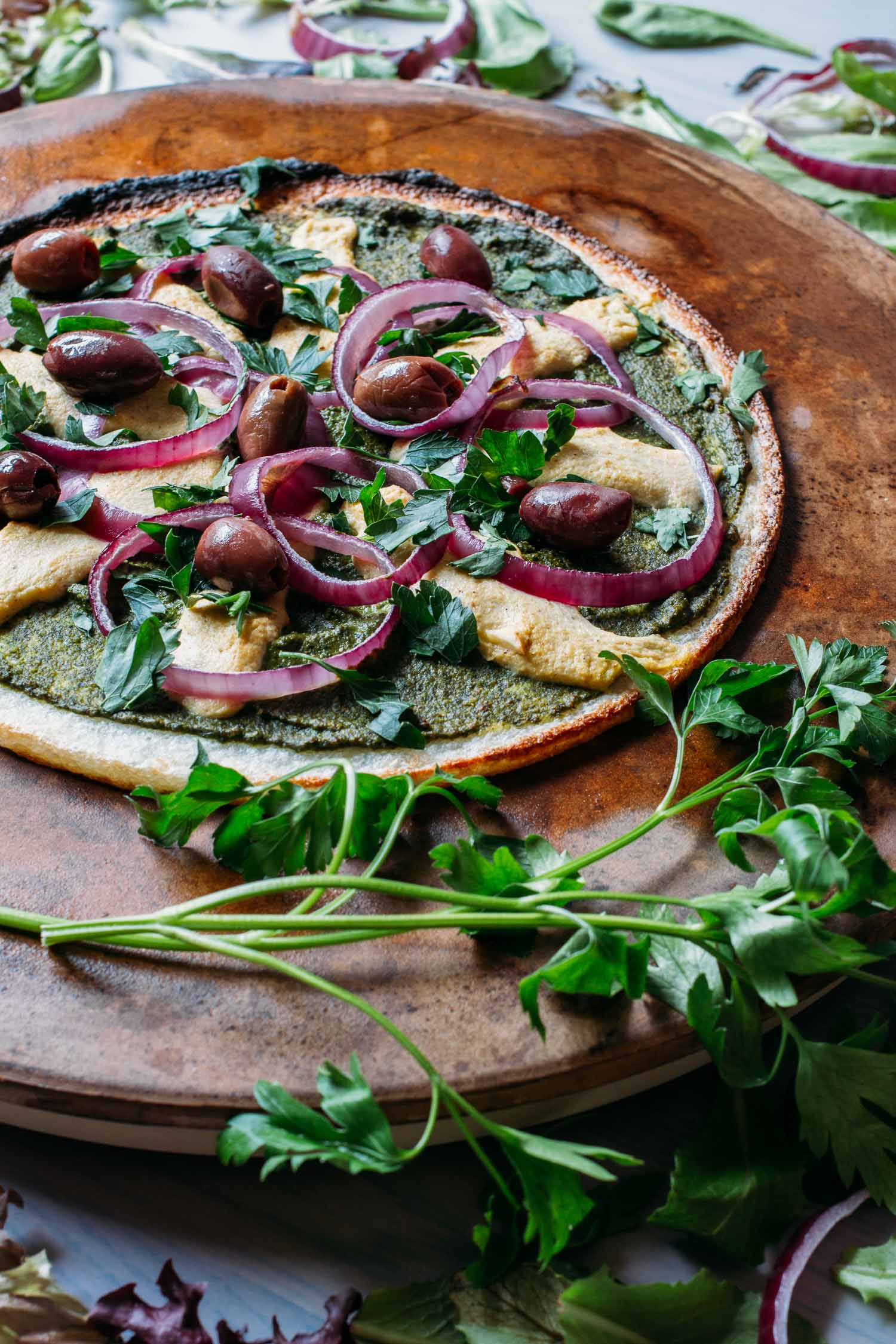 Cauliflower Crust Pesto Pizza #cauliflower #crust #nondairy #oil #free