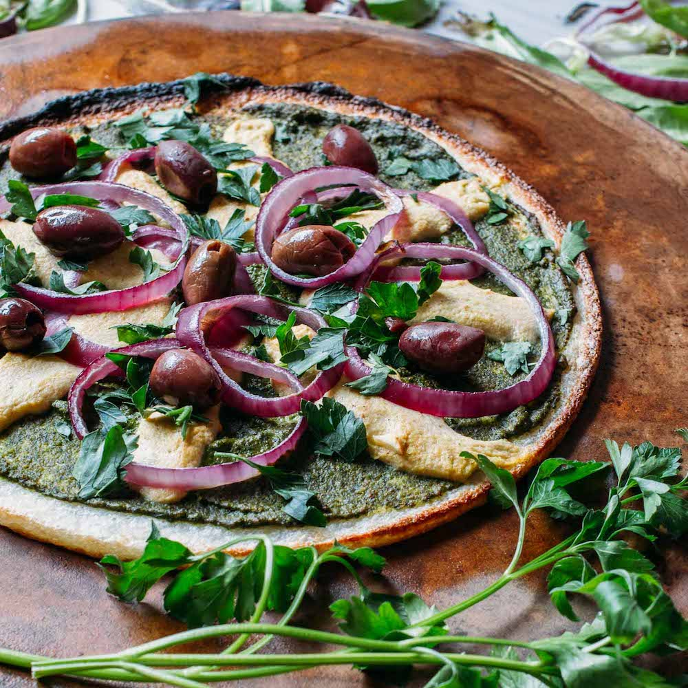 Cauliflower Crust Pesto Pizza #vegan #pizza #meatless #monday