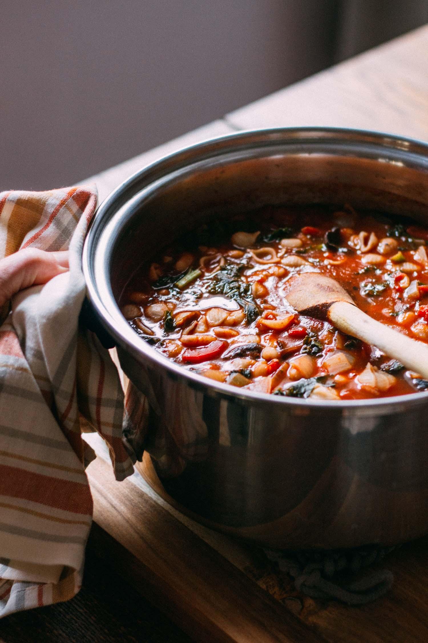 Cannellini Kale Noodle-y Soup #vegan #vegetarian #noodles #gf
