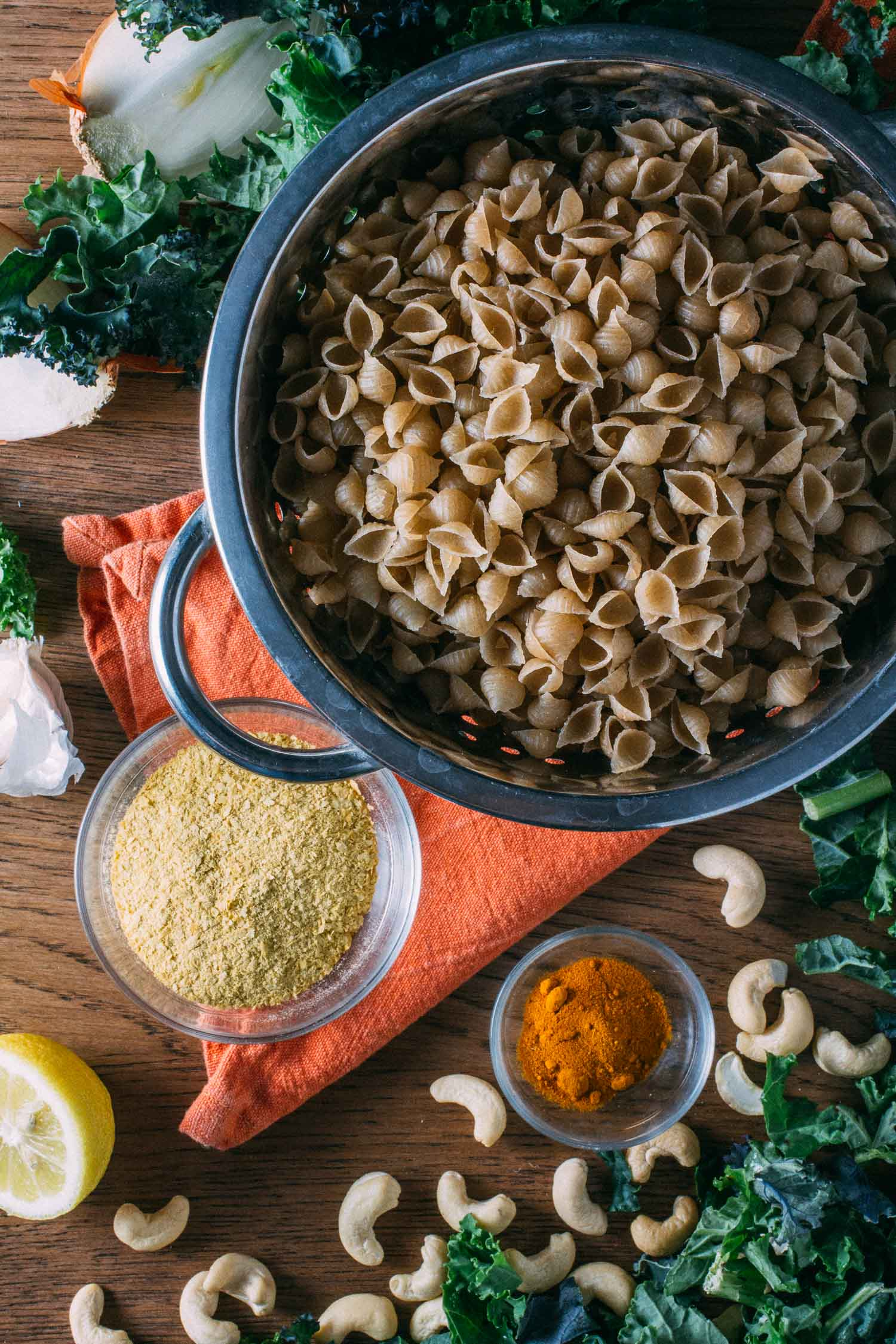 Oil-Free Vegan Kale Mac & Cheese #kale #protein #meatlessmonday #meatless