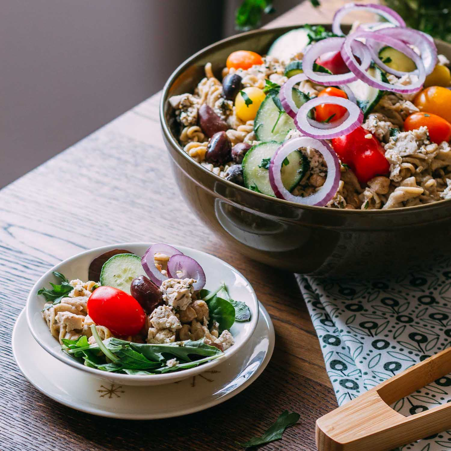 Greek Chickpea Pasta Salad #plantbased #dinner #simple #salad #pasta #kids | Veeg