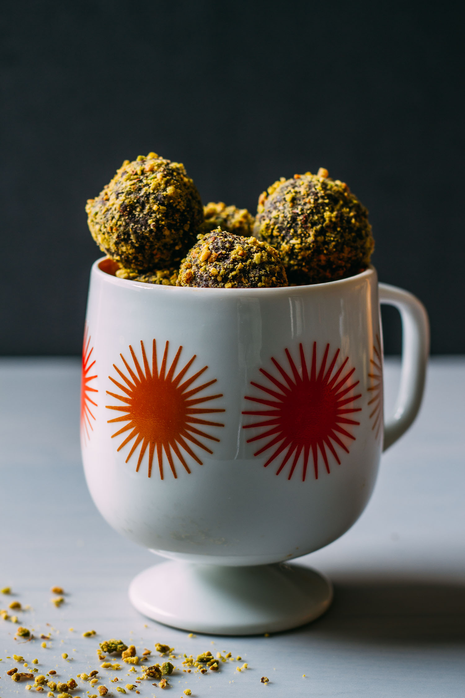Date-Sweetened Chocolate Pistachio Bites #raw #vegan #dessert #snack #recipe