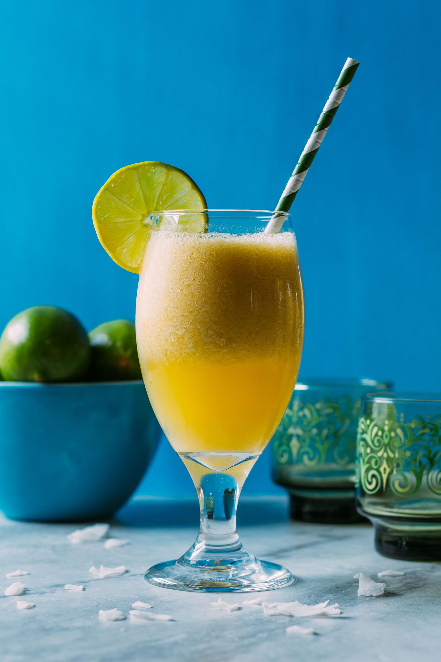 Refreshingly Lite Pina Colada Mango Smoothie #vegan #party #low calorie #beverage #fruit