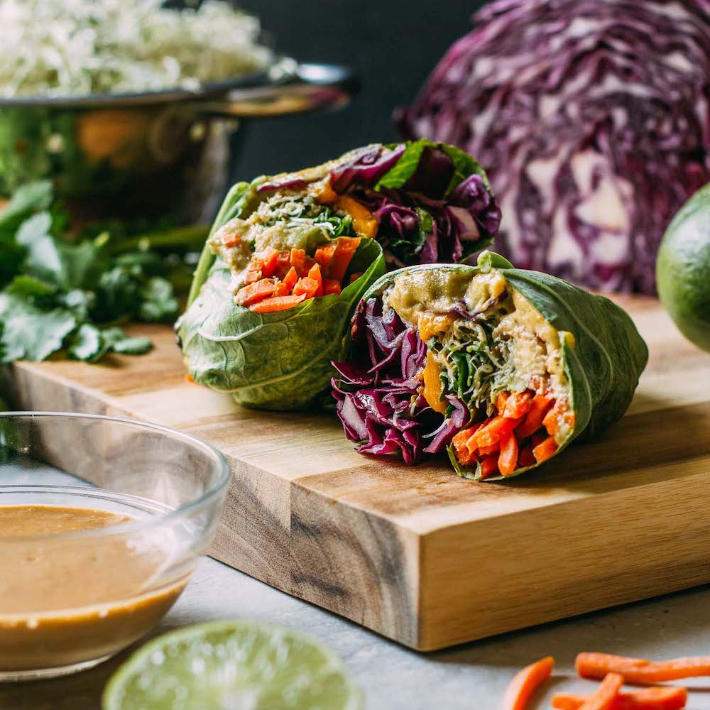 Mango Cashew Collard Wrap #cabbage #collards #wraps #raw #vegan #avocado #cashew #cheese #carrot #recipes #wfpbno #wfpb | Veeg