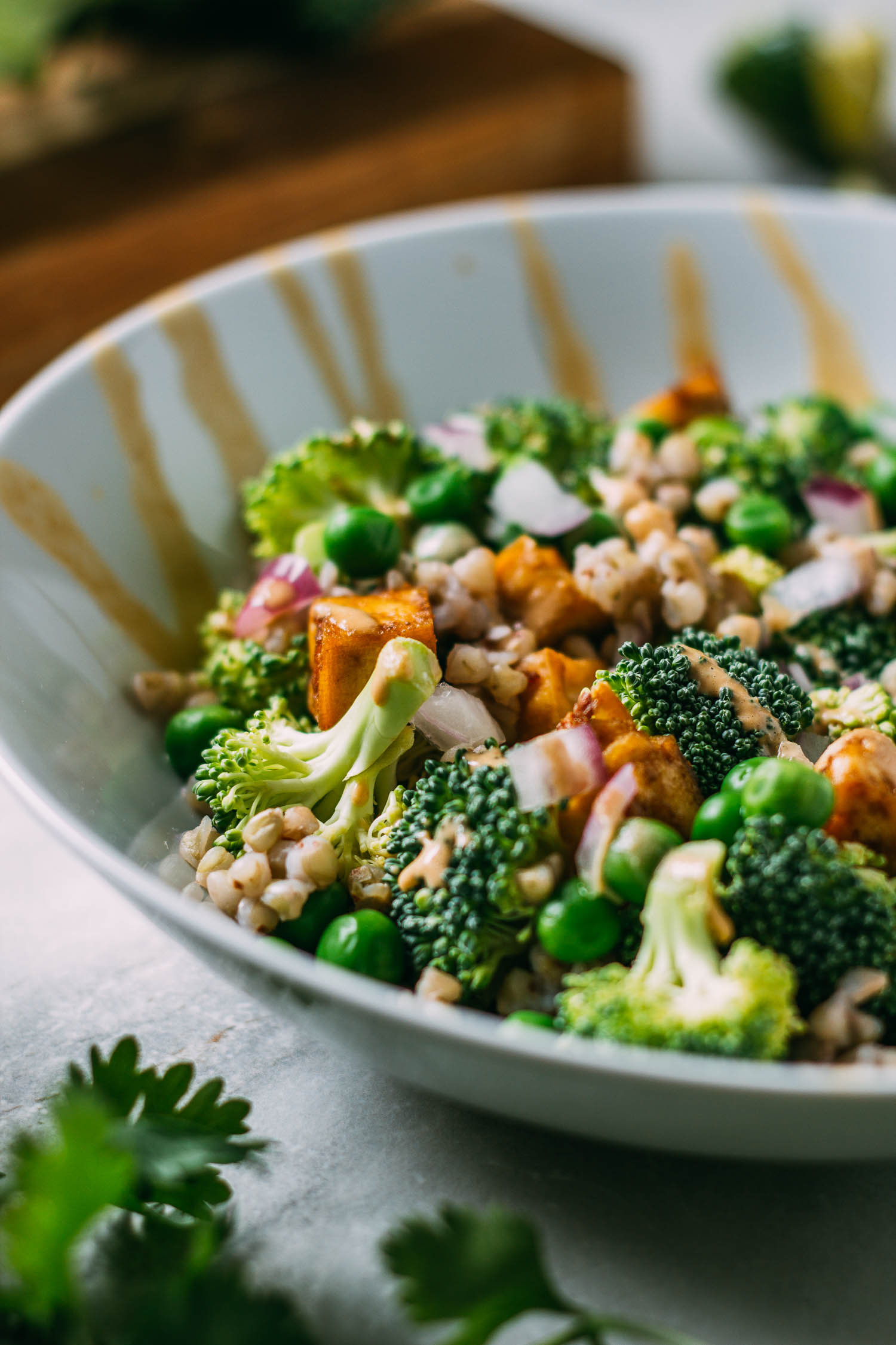 Peanutty Broccoli Buckwheat Bowl #plant-based, #oil-free, #vegan, #broccoli, #tofu, #bowl, #peanut, #sauce, #buckwheat #groats #salad, #gluten-free, #dairy-free, #vegetarian, #wfpbno, #wfpb, #Asian #recipe #Thai #recipes #dinner #lunch