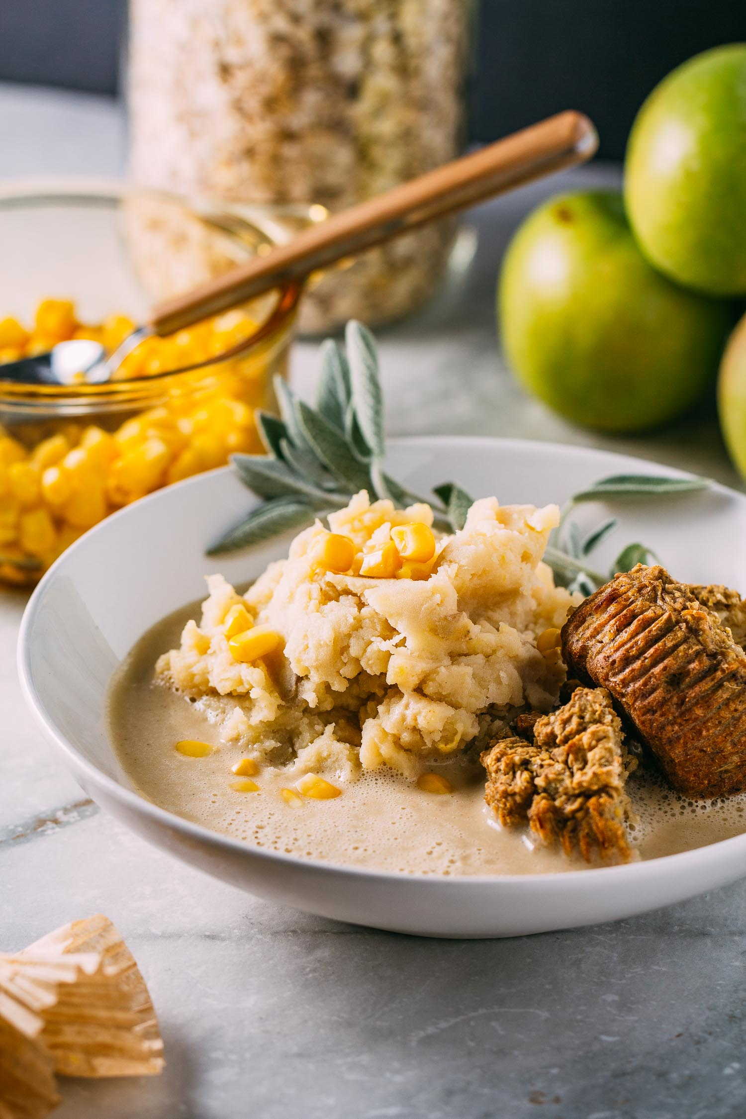 Healthy Mashed Potatoes & Gravy with Cannellini Bean Cream #mashed #potatoes #cannellini #beans #vegan #vegetarian #plant-based #wfpb #wfpbno #gluten-free #gravy #sauce #holidays #Thanksgiving #Christmas #comfort #sage #food #recipes #recipe #healthy #low-fat #fat-free #easy #simple #southern #homemade #bowl #bowls #fall #winter