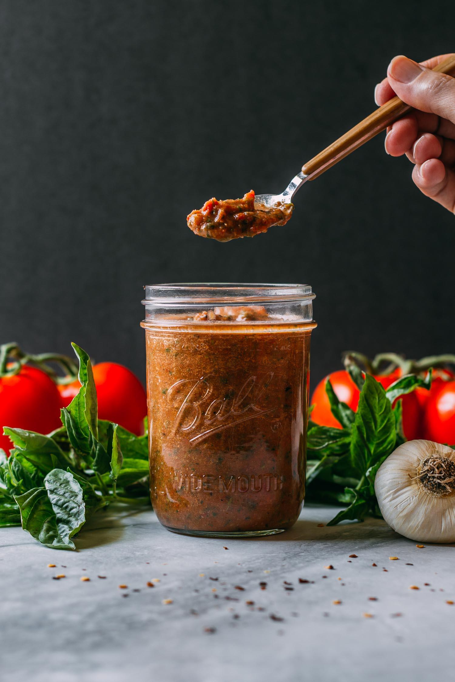 5-Minute Tomato Basil Pesto Sauce #sun-dried #tomato #tomatoes #basil #pesto #sauce #pasta #no-cook #blender #oregano #herbs #vegan #plant-based #simple #recipe #wfpb #recipes #wfpbno #gluten-free #Italian #5-minutes #garlic #healthy #fit