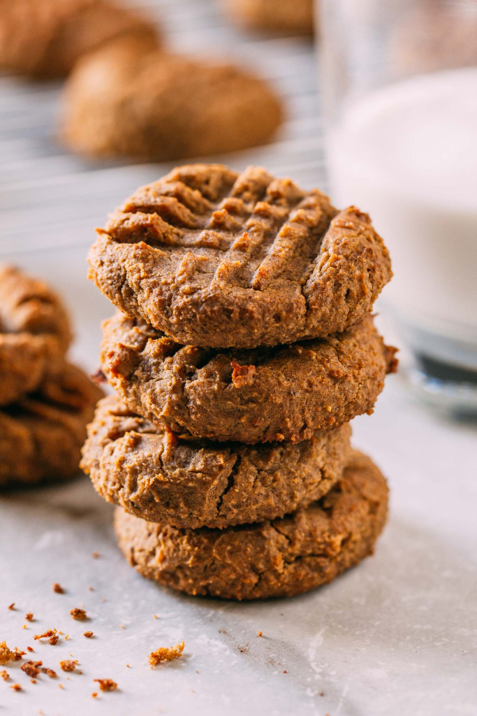 20-Minute Peanut Butter Chickpea Cookies #peanutbutter #chickpea #aquafaba #cookies #garbanzo #glutenfree #plantbased #oilfree #wfpb #wfpbno #fok #mcdougall #vegan #vegetarian #dessert #recipe #20minute #recipes #whatveganchildreneat #vegankids #healthy #snacks #baked #baking #desserts #kids #Christmas #cookieexchange #veganpartyfood