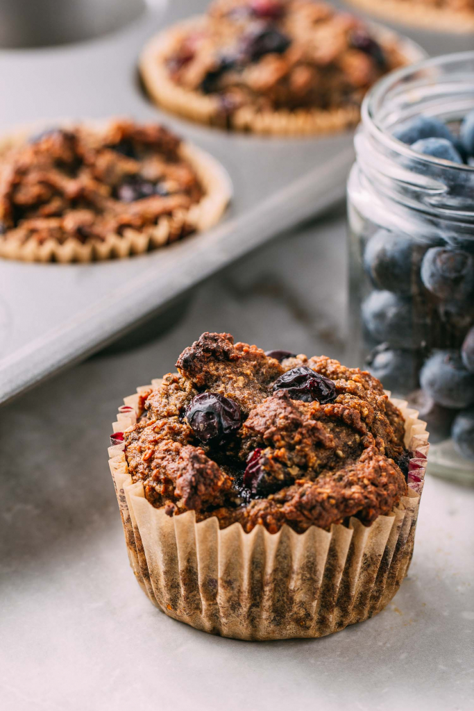 Banana Blueberry Chia Seed Muffins #blueberry #banana #muffins #muffin #recipe #chiaseed #blueberries #glutenfree #vegan #plantbased #almondflour #oatflour #lemon #flaxseeds #breakfast #healthy #snack #baked #recipes #dessert #wfpb #wfpbno #oilfree #kidfriendly #vegankids #dessert #fok #mcdougall #vegetarian #sack #lunch #sweet #treat #eatclean #cleaneating #diet