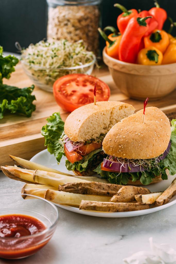 Pumpkin Seed Veggie Burgers #pumpkin #seed #veggie #burgers #vegetable #burger #plantbased #glutenfree #vegan #oilfree #pumpkinseeds #blackbeans #pintobeans #beans #oatmeal #oats #garlic #onions #sweetpepper #cleaneating #healthy #vegetarian #recipe #meatless #sprouts #recipes #plantbaseddiet #wfpb #wfpbno
