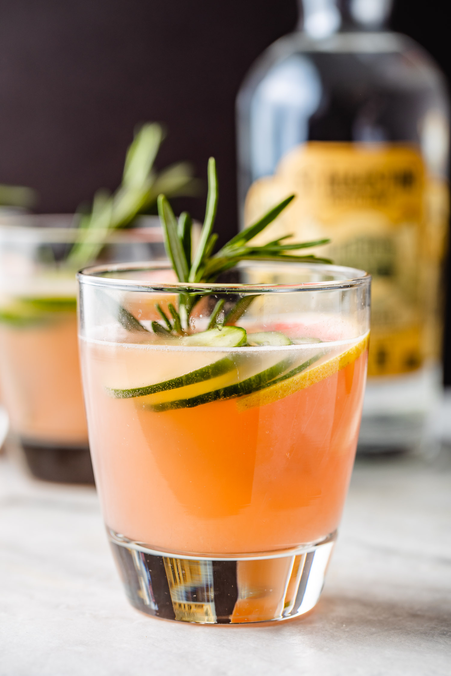 gin and juice mixed drinks made with pink grapefruit juice