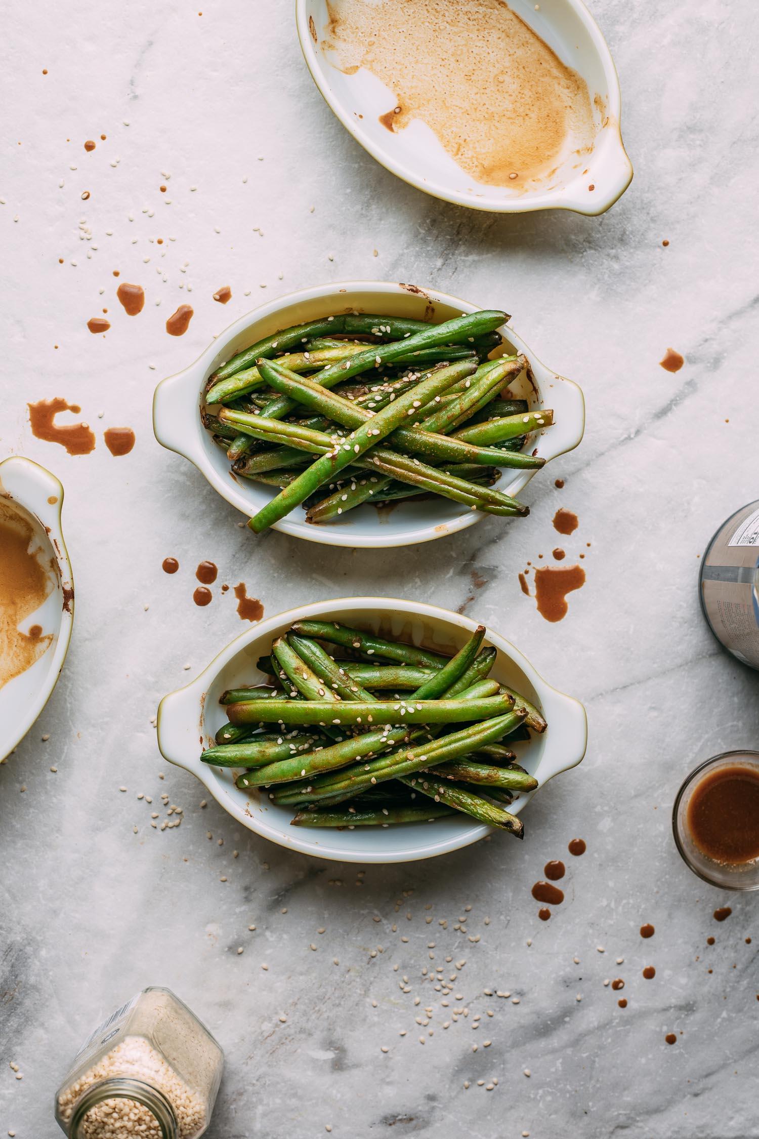 easy fresh green beans, with splattered tahini sauce